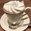 カフェで勉強してます。