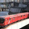 赤くて丸い電車