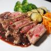 オージービーフのサーロインステーキ いちじくと赤ワインとバルサミコ酢のソース