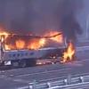 影像!首都高速湾岸線東京港トンネル、フジテレビ本社前でトラック炎上で通行止めに
