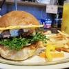 【ビバラバーガー ( Viva la Burger ):池袋】カリカリチーズの真髄!旨いとこだけを集めた絶品ハンバーガー!