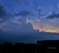 ★輪郭の見える夕雲