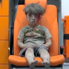 シリアの男児救出映像、停戦呼びかける声高まる