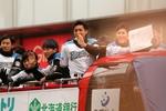 10年ぶりの日本シリーズ優勝おめでとう!日本ハムファイターズの優勝パレードに13万人のファンが集結!