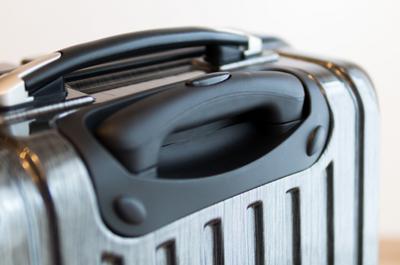 【旅行準備品】スーツケースを比較検討して行き着いたのは、Amazonで評価の良い6000円のやつでした。[FIELDOOR TSAロック搭載スーツケース]