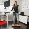 長時間の立ち仕事が健康と生産性に与える悪影響