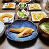 大好きなサーモンハラス定食!新たまねぎとチーズのオイル漬け