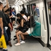 【シンガポール式】電車の座り方