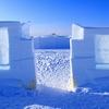 冬のグレートスレーブ湖に現れる氷の彫刻
