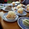 平日のくら寿司は高齢者の憩いの場になっている