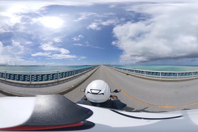 レンタル電動バイクで宮古島を一周! 3つの大橋から見える絶景を360度カメラで撮影してみた