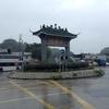 香港旅行四日目(3)。中国本土に近い漁村、流浮山(ラウファウサン)。カキの貝殻壁を拝む