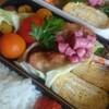 鶏の唐揚げとじゃがいもとウインナのマヨマスタード炒め弁当