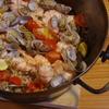 アウトドアクッキング!ダッチオーブンで海鮮パエリアを作ってみた