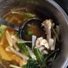 【ゴミdeクッキング】鶏から揚げの骨でスープと炊き込みごはんを作ってみた