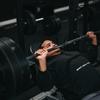 【ベンチプレス】肩の怪我を防ぐバーの軌道と練習方法