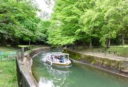 新緑のベストシーズン!母と娘で「びわ湖疏水船」をのんびりと楽しむ