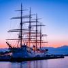 三日月に星が少々:今朝の海王丸パーク