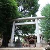 鎮座1200年 新宿 諏訪神社にて撮影。カッコいい狛犬の笑顔に魅了されました。