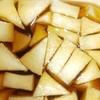 家飯  カワハギの煮付け  モヤシの何か 大根の漬物 味噌汁