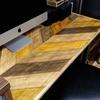 ヘリンボーン柄のテーブルDIYはペイントするだけでも本物っぽく見せられる!