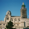 ノートルダム・ドゥ・ラ・ガルド寺院の裏側、歴史と建築(マルセイユ)