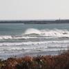 冬の爆弾低気圧抜けた海でサーフィン
