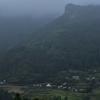 朝靄に沈む集落 大分県院内町野地
