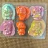 家の中で粘土遊び!アンパンマングミの容器が使える!遊びの幅が広がる粘土遊び