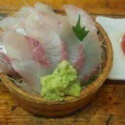 タカマル鮮魚店本館