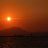 丸山の頂に沈む夕日…