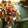 パリ★ルーブル美術館に続く芸術の橋「ポンデザール」