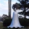 【怖い彫刻】スカートを押すと揺れるロッキングドールが話題に