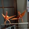 春浅き立つ折鶴の二本足(あ)