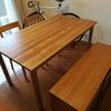 テーブルにはオイルを塗ろう。良い物に手をかけ、長く使おう。