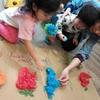 4月の「英語絵本と手づくり工作の親子サロン」開催報告