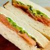 ペンギン堂のパンでサンドイッチを作る!