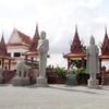 Prasat Pagoda (石像がたくさんある仏教寺院)です。(前編)