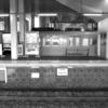 電車と白黒