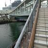 海風に当たりながら 横浜ベイクオーター