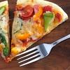 夏野菜ピザを焼く