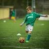 【サッカー初心者】ボールの蹴り方・遠くまで飛ばない人 コツ教えます