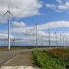 サロベツ原野駐車公園の反対側にはオトンルイ風力発電所で休息