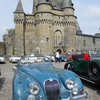 お城に集結なんて似合いすぎるクラシックカーの祭典