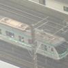 常磐線・綾瀬駅で緊急停止した電車の窓から男性が勝手に降りて線路を歩いて会社へ行こうとした件