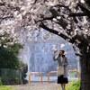 桜の下のその風景に笑顔あり