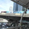 バンコク、朝からグルメの通勤風景点描