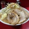 【今週のラーメン2208】 ラーメン二郎 西台駅前店(東京・西台) 小ラーメン・ニンニクヤサイ