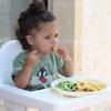 1歳10ヶ月〜ご飯を食べる子供に怒る旦那をYoutubeで沈静化