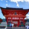 稲荷山②:楼門を抜け伏見稲荷の本殿に参拝、周辺も見る